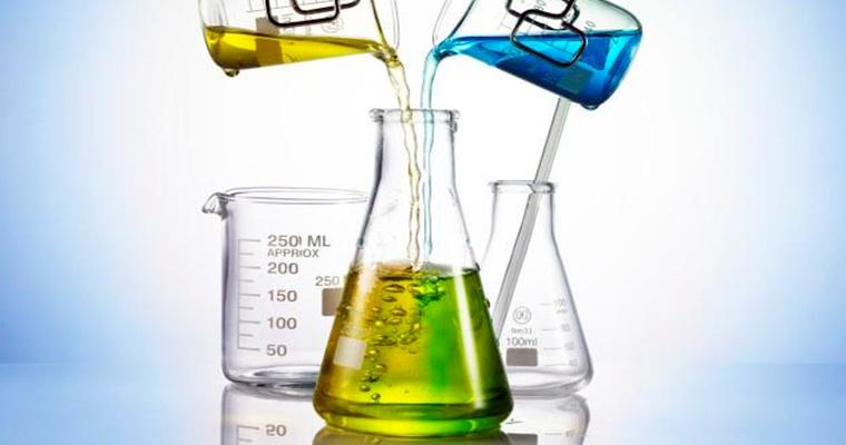 Сложность процесса фасовки химически агрессивных веществ